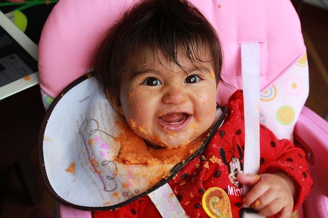 bébé après le repas
