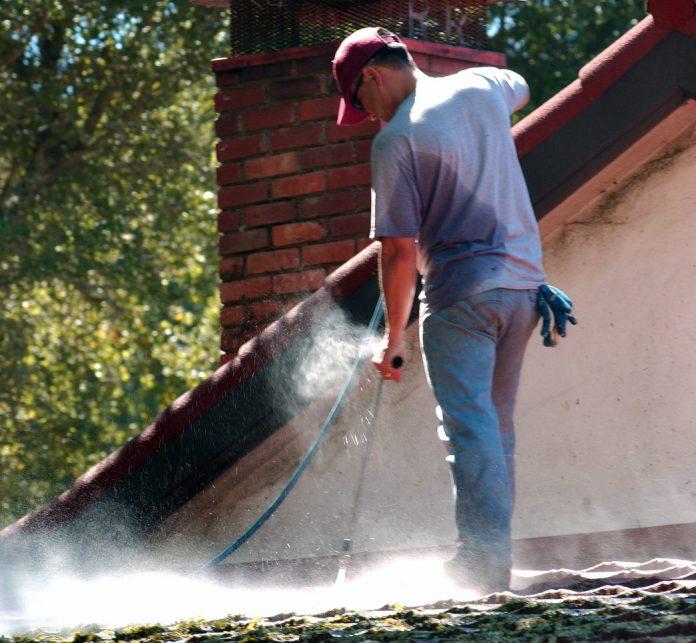 entretenir sa toiture de tuiles en terre cuite