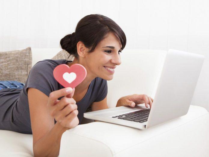 retrouver son amour sur internet