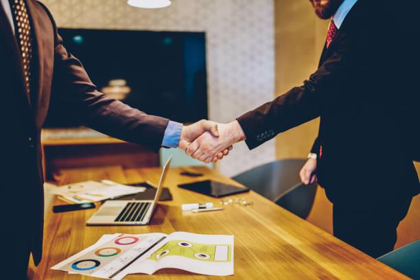 Pourquoi les entreprises utilisent-elles le parrainage ?