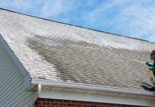 enlever la mousse d'un toit