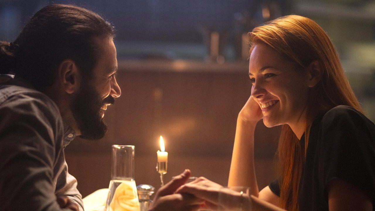 homme et femme qui se rencontre